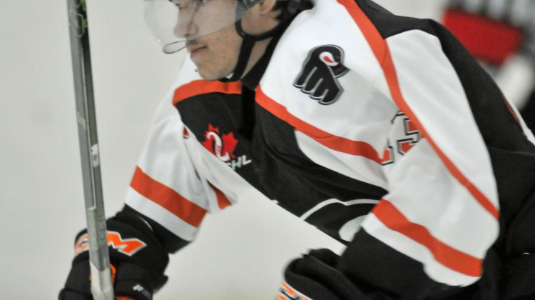 Photo Credit: Phil Kall - Prescott Flyers #13 Devon Burns